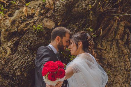 """La boda de Jordi y Lidia: un """"sí, quiero"""" inspirado en la mágica leyenda de Sant Jordi"""