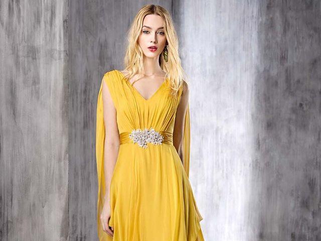 Vestidos de fiesta mostaza: la alegría hecha color