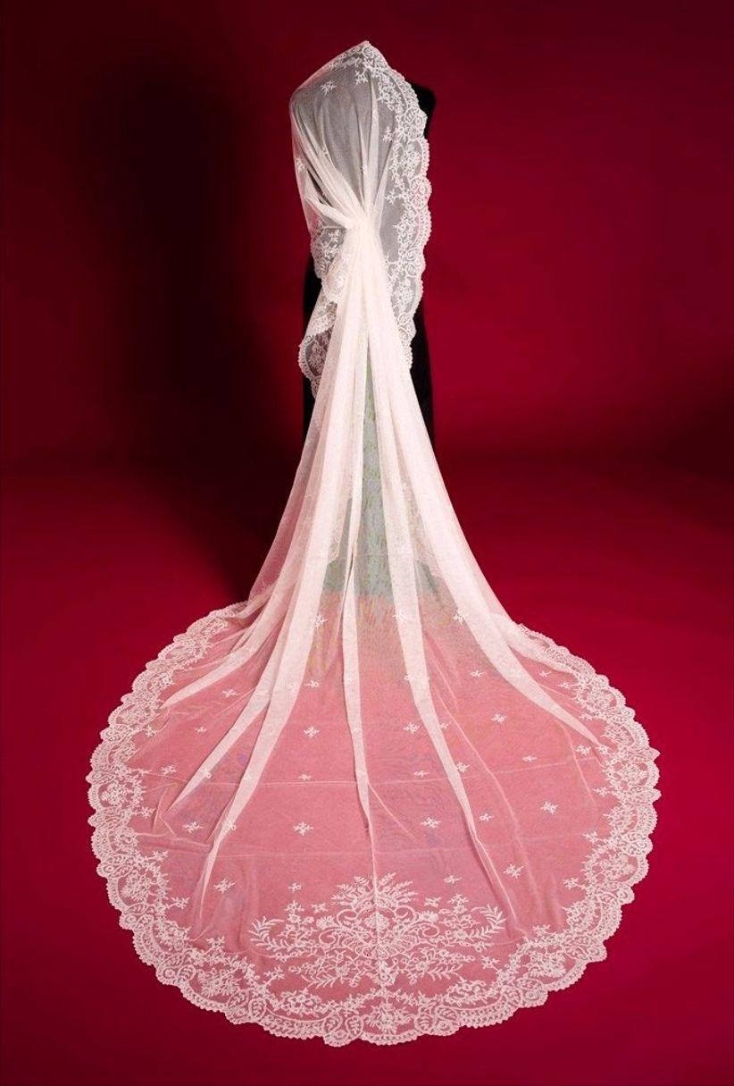 """12 velos de novia tipo catedral para dar el """"sí, quiero"""""""