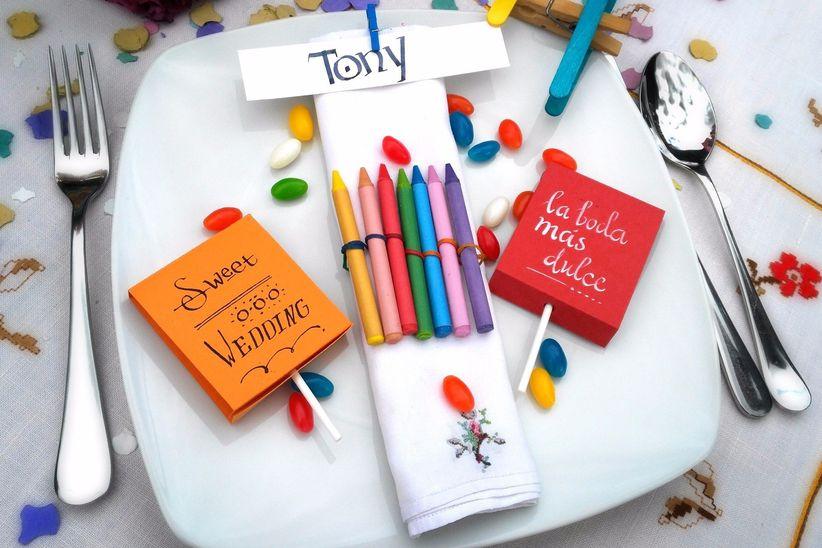 en la mesa por escrito a mano