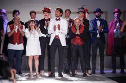 Trajes de novio Petrelli Uomo 2018: espectáculo y excentricidad