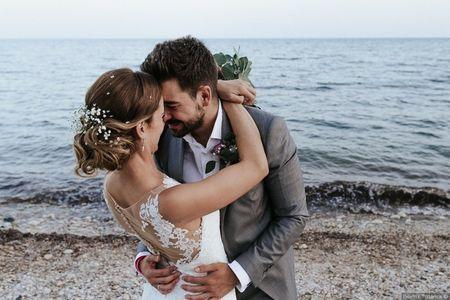 """La boda de Alberto y Alejandra: un """"sí, quiero"""" con el sonido del mar como acompañante"""