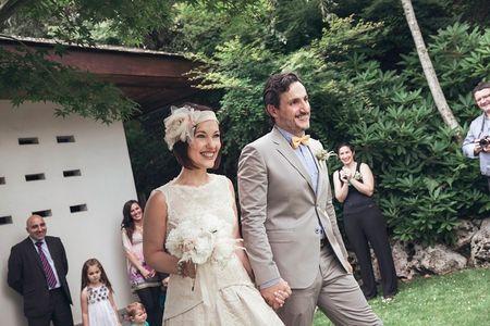 """La boda de Ana y Enrique: el jardín de su casa como perfecto escenario del """"sí, quiero"""""""