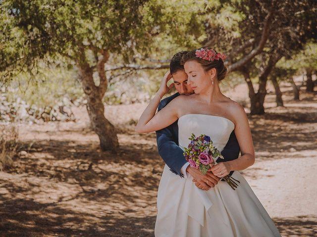 """La boda de Laura y Javier: el """"sí, quiero"""" de un amor de la infancia"""