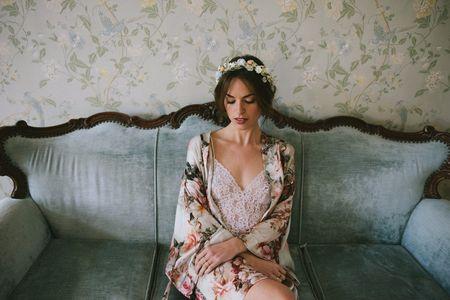 70 batas de novia para vestir durante tus preparativos