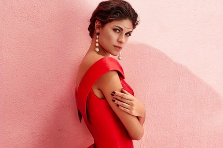50 vestidos de fiesta rojos: garantía de éxito para invitadas