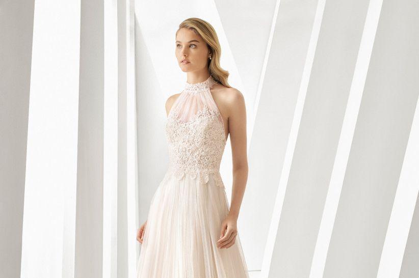 90256f524 45 vestidos de novia con escote halter que te enamorarán