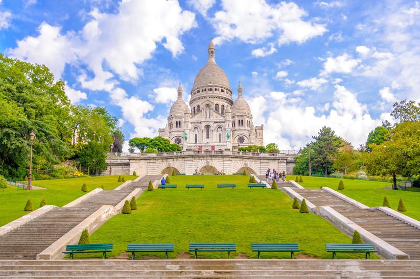 Luna de miel o escapada romántica antes de la boda en París: basílica del Sacré Coeur