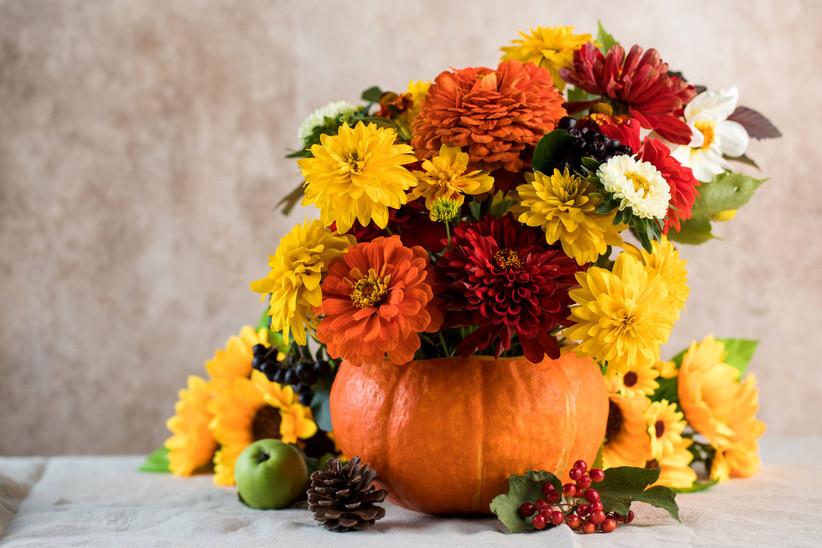 Ideas decoración Halloween para bodas: calabazas como centros de mesa