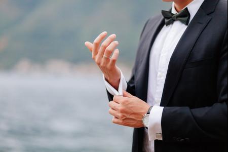 ¿Cómo evitar manchas de sudor en la camisa del novio?