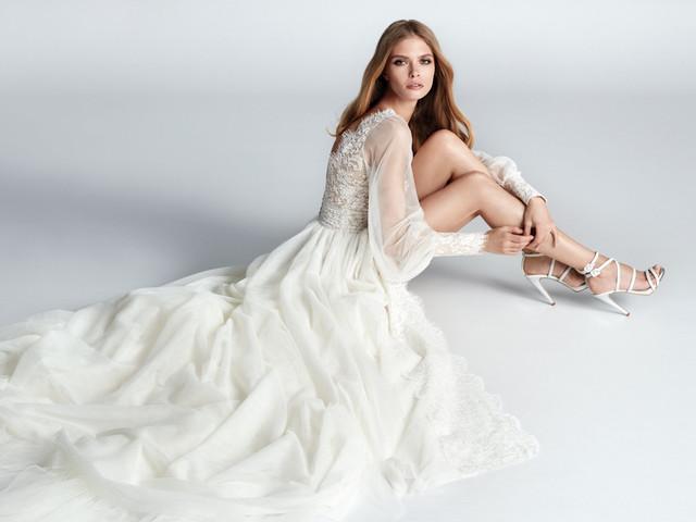 Vestidos de novia y de fiesta Hannibal Laguna Atelier 2020: ¡magia!