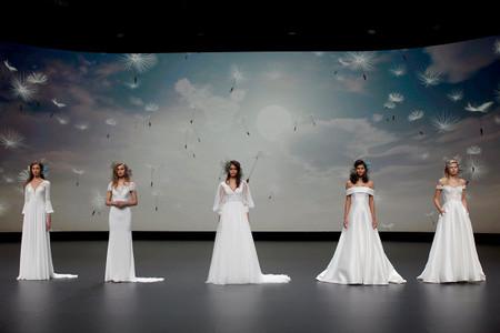 Pronovias se apunta a la moda eco con los vestidos de novia sostenibles presentados en la VBBFW