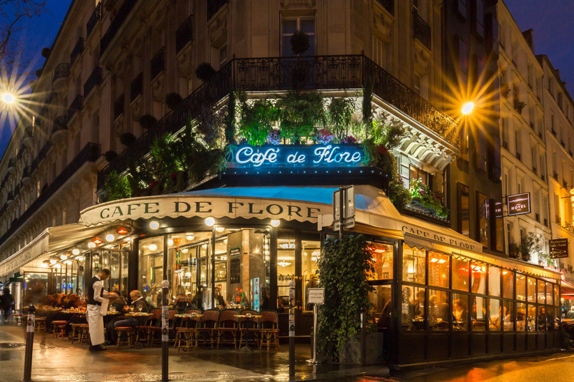 Luna de miel o escapada romántica antes de la boda en París: Café de Flore