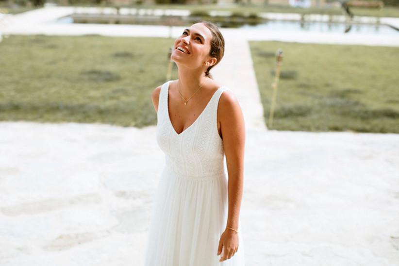 Vestido de novia Larissa, de L'Avetis 2021, de corte en A y escote en V