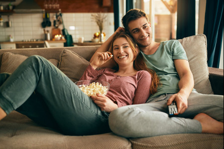 Las 8 mejores series románticas de Netflix... ¡ideales para un maratón en pareja!