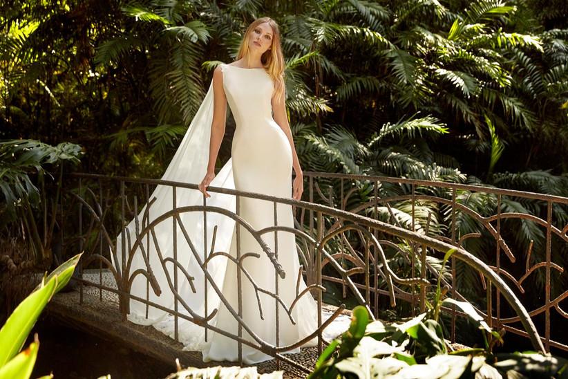 vestido de novia largo de Amazónica Valerio Luna 2022 con corte sirena y escote barco perfecto para las novias más modernas