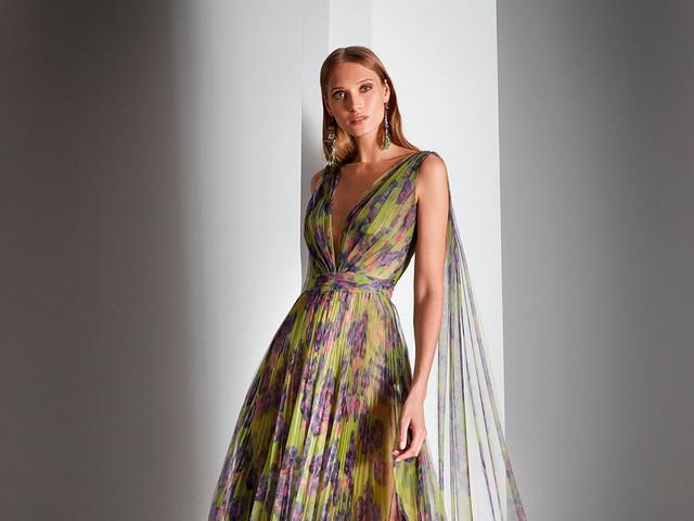 ¿Te han invitado a una boda o a alguna celebración importante? ¡Descubre los vestidos de fiesta 2021 de Valerio Luna!