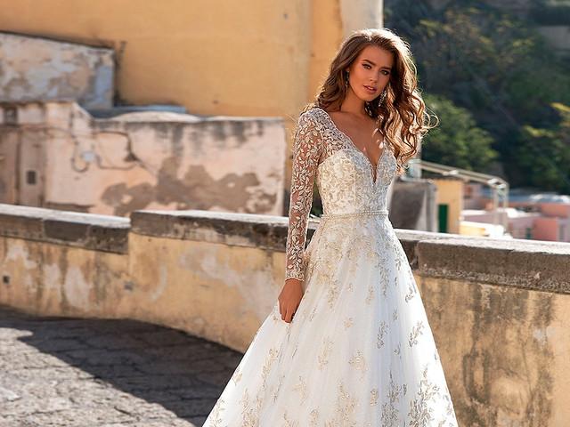 Vestidos dorados: ¿te atreves con un traje de novia de este color o que incluya suaves destellos de esta tonalidad?