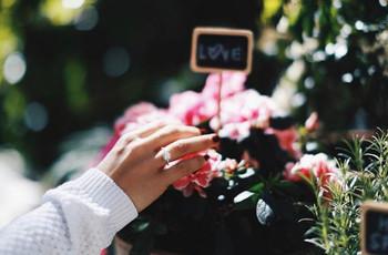 Los anillos de compromiso más espectaculares de las 'influencers'. ¿A cuál le darías un 'like'?