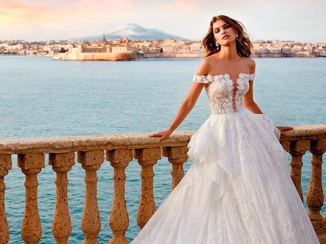 100 (fantásticas) propuestas en vestidos de novia con hombros caídos. ¡Presume de estilo!