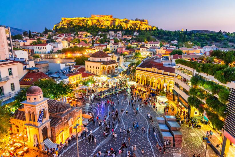 Grecia capital, plaza de Monastiraki, un destino perfecto antes o después de la boda
