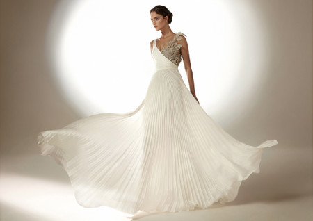 Vestidos de novia Atelier Pronovias 2021: ¡amor a primera vista!