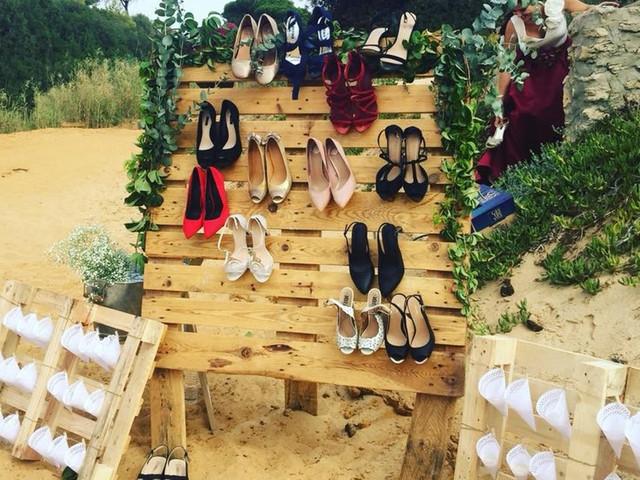 'Shoe valet' o zapatero para invitados. ¿Lo conocíais?