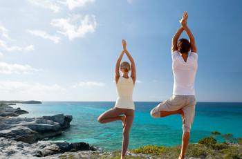 Los beneficios de practicar yoga antes de la boda