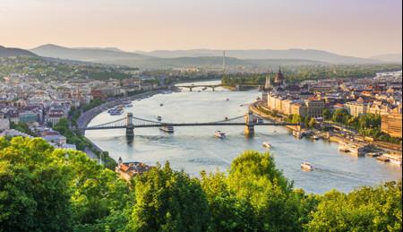 Luna de miel en Budapest: 10 planes que os enamorarán