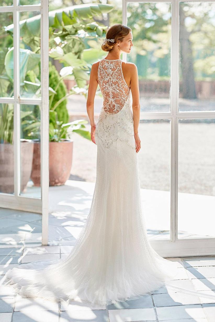 Vestido de novia con impresionante espalda joya de la colección Gatsby de Rosa Clará 2022
