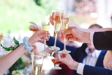 ¿Cómo asegurar que los invitados con algunas copas de más lleguen a  sus casas?