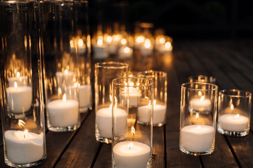 Velas entre las ideas decoración Halloween para el día de la boda