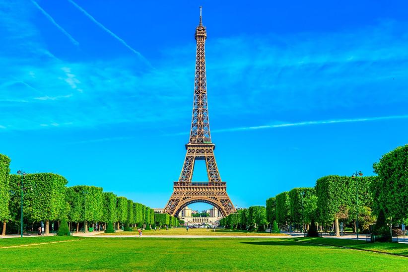 Luna de miel o escapada romántica antes de la boda en París: Torre Eiffel