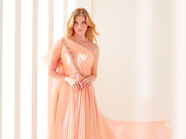 100 (espectaculares) vestidos largos para ir de boda