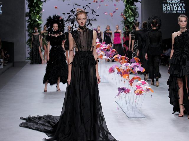 Vestidos de fiesta Carla Ruiz 2020: ¡bienvenida al paraíso!