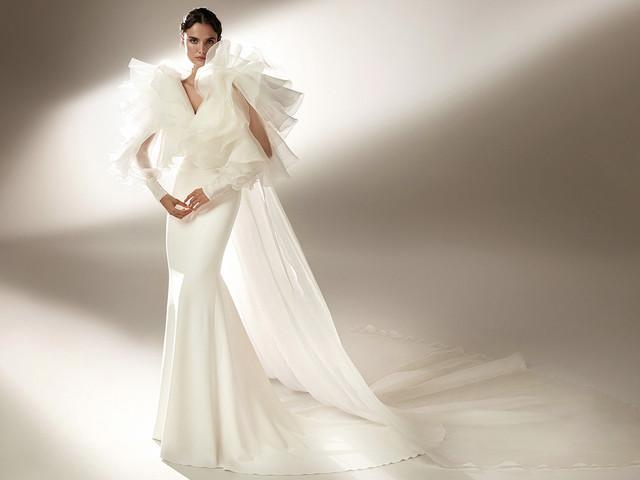 100 vestidos de novia con volantes, ¡muchos volantes!