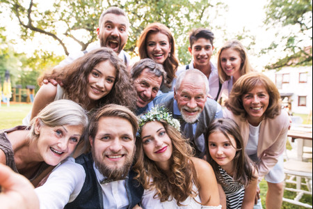 Los 8 peores errores que puede cometer la madrina de boda