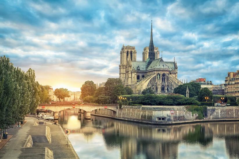 Luna de miel o escapada romántica antes de la boda en París: Isla de la Cité