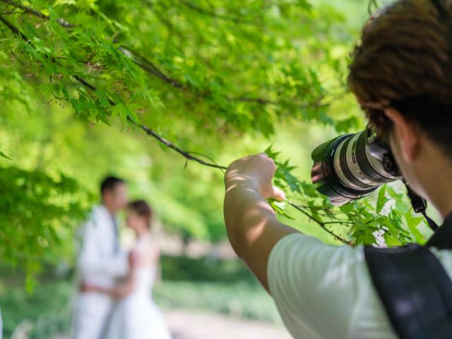¿Cómo elegir al fotógrafo de bodas perfecto? Con estas 10 claves acertaréis seguro (¡palabra de profesional!)