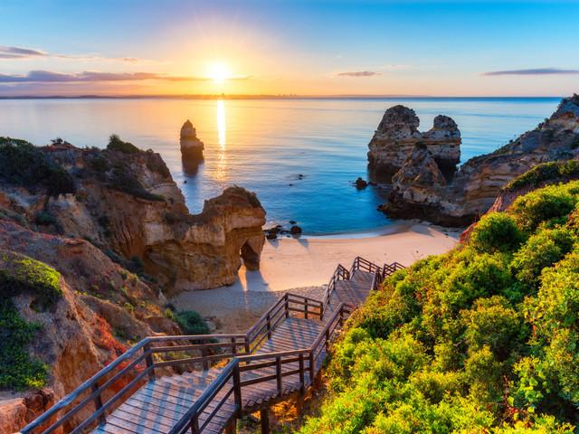 Descubrid las 8 playas más románticas y bonitas de Portugal durante vuestra mágica luna de miel