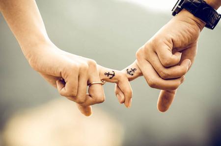 Tatuajes gemelos para un amor eterno