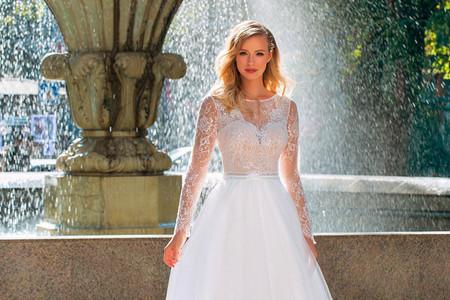 Vestidos de novia Angela Bianca 2021: feminidad en estado puro