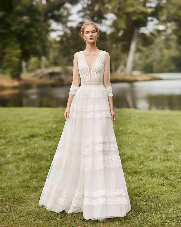 Vestido de novia sencillo de esencia boho Alma Novia