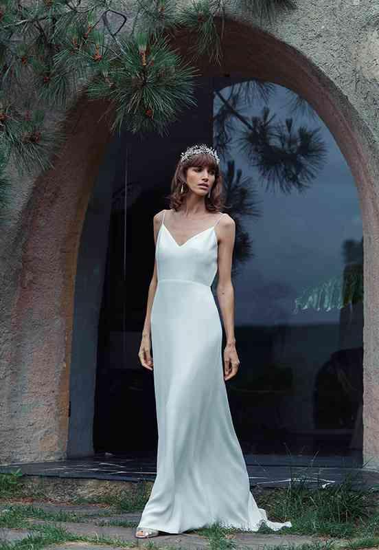 Vestido de novia sencillo de tipo lencero Laure de Sagazan