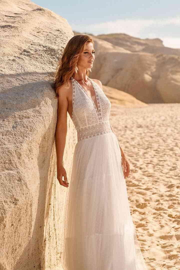 Vestido de novia sencillo aire boho Rembo Styling