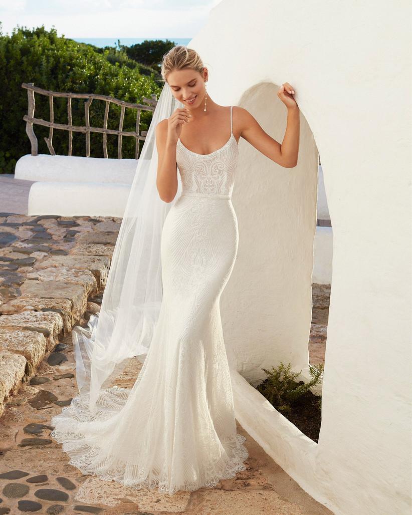 Vestidos de novia con escote en U para el día de la boda