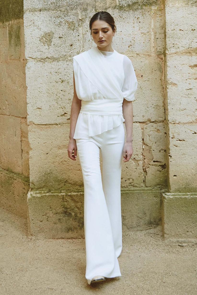 Vestido de novia de dos piezas con pantalón de la colección Bartolomea, de Colour Nude 2021