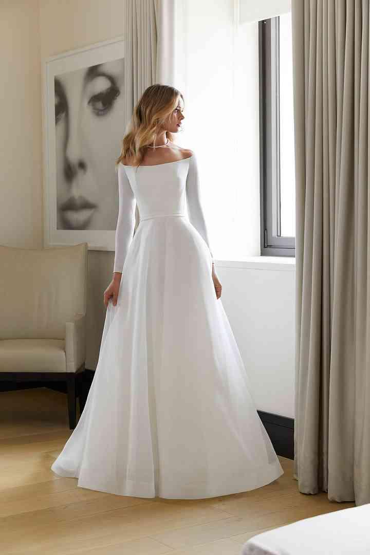 Vestido de novia sencillo cuello barco Morilee