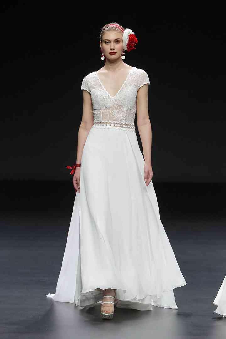 Vestido de novia sencillo con manga corta Cymbeline