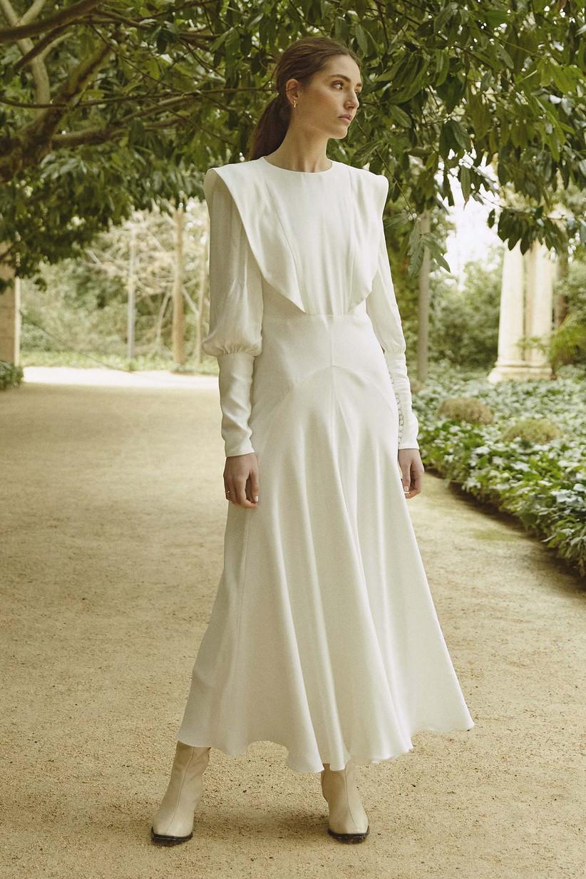 Vestido de novia de corte evasé y escote redondo de la colección Bartolomea, de Colour Nude 2021